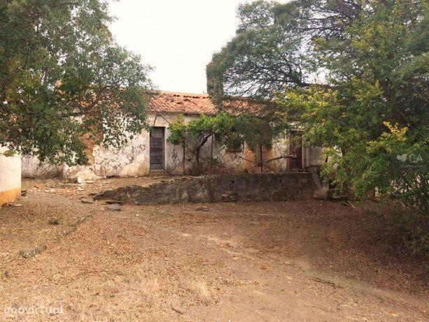 Herdade com 240.250m², situada em Almodôvar, distrito de ...