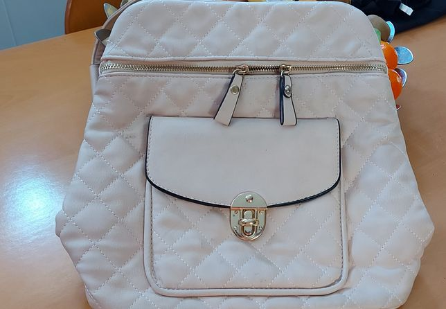 Vendo mochila  mulher