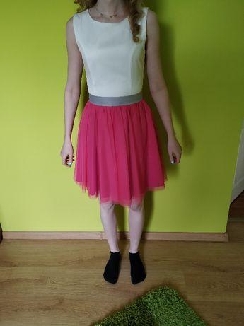 sukienka z łączonych materiałów z tiulem XS