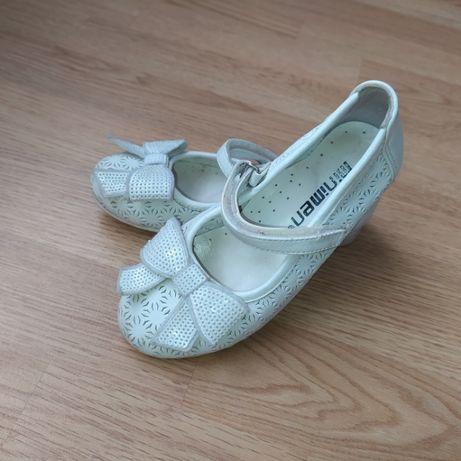 мешти, туфлі для дівчинки