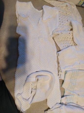 Wełniane piękne sweterki/komplety białe rozmiar 56-68