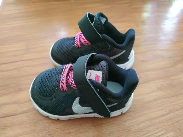 Sapatilhas Nike de Bebé, tamanho 18.5