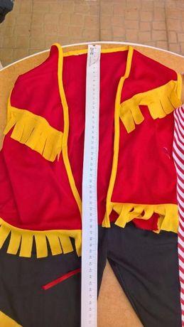 Fato de cowboy de Carnaval. As calças medem 54 cm