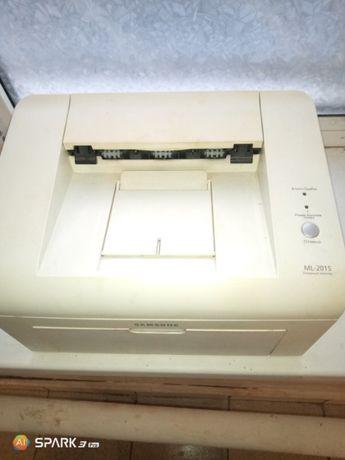 Продам принтер Samsung ML-2015