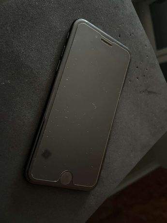 iPhone SE 2021 bardzo dobry stan!
