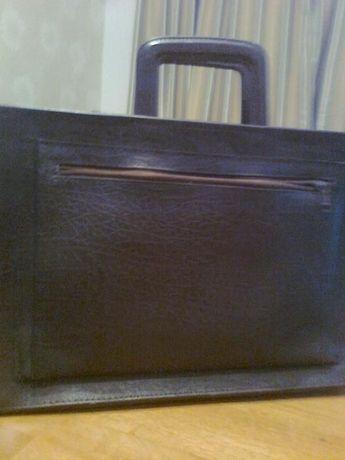 Кожаный ПОРТФЕЛЬ - сумка коричневого цвета, две ручки. Новый