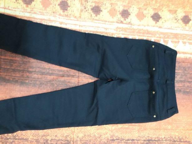 Шкільні брюки на дівчинку
