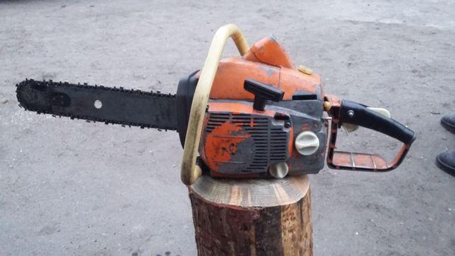 Pilarka do cięcia drzewa
