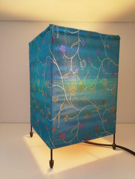 Candeeiro em Tecido Azul de Inspiração Oriental