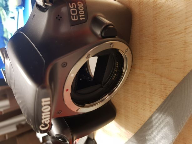 Máquina fotográfica Canon 1100D corpo
