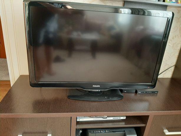 Телевизор /Philips SQ552.1ELA