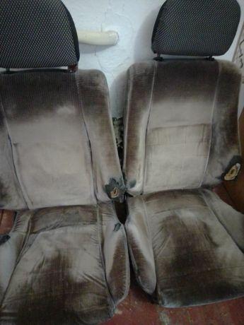 Продам сиденья с 2109