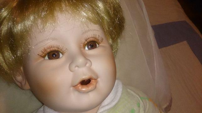 boneca de porcelana doll (genuine hand painted porcelain) 52cm altura