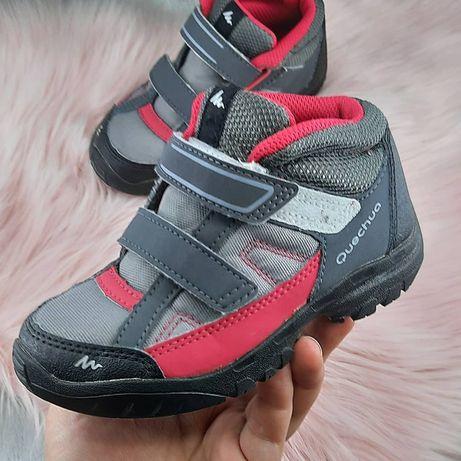 Детские кроссовки,ботинки от quechua