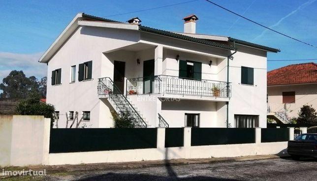 Venda de moradia V4 Sta Maria de Geraz do Lima, Viana do Castelo