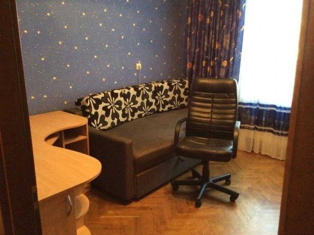 Продам квартиру Ревуцкого 13
