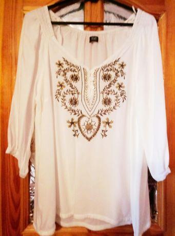 Блузка-вышиванка.