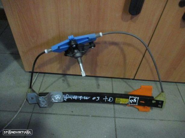 Elevador manual 8E0839462B AUDI / A4 SW / 2003 / 5p / TD /