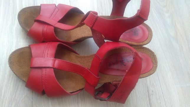Śliczne sandałki hiszpańskie FIORDI 38