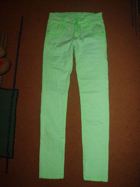 Яркие модные брюки на девочку 8-9 лет рост 134-140