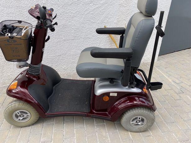 Cadeira eletrica com pouco uso