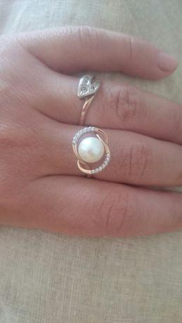 Кольцо золотое с большой жемчужиной
