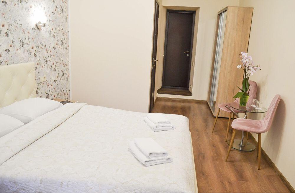 Мини отель в ЦЕНТРЕ КИЕВА ( возле ТЦ Гулливер)-1