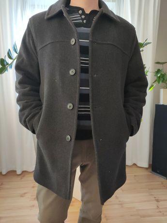 Płaszcz męski o rozmiarze 48