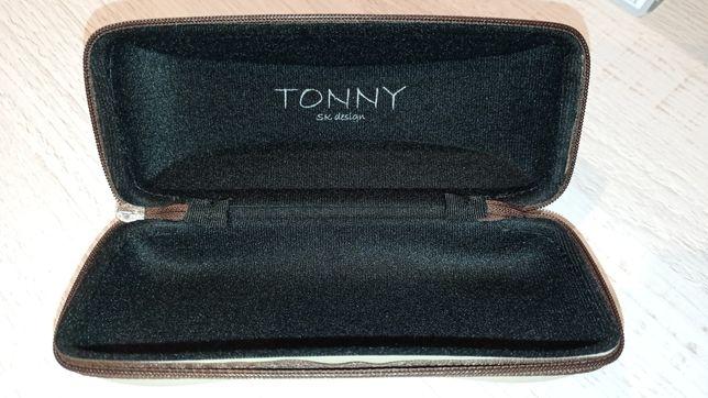 Etui na okulary firmy Tonny