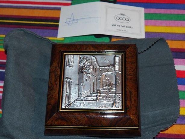 Caixa em madeira exótica com tampa em prata
