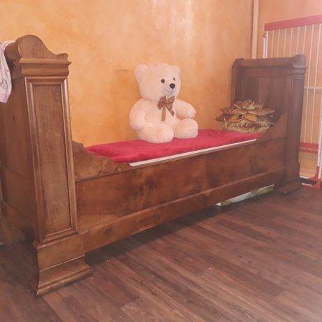 Антикварная диван-кровать массив орех. Франции