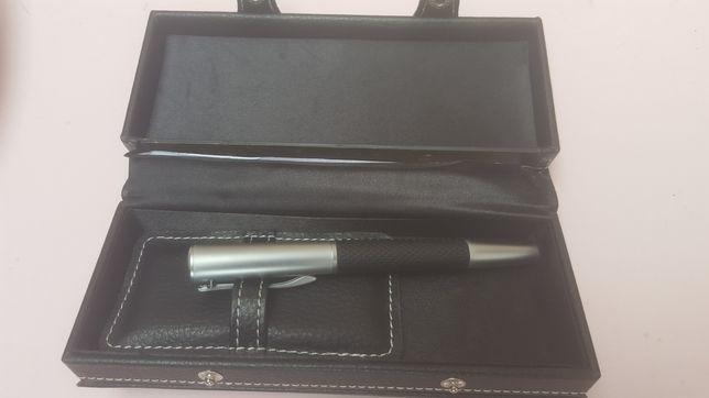 Caneta tinta permanente  NOVA  na caixa  original