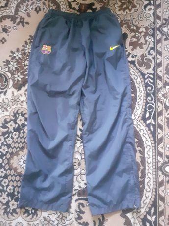 Спортивные штаны Nike L