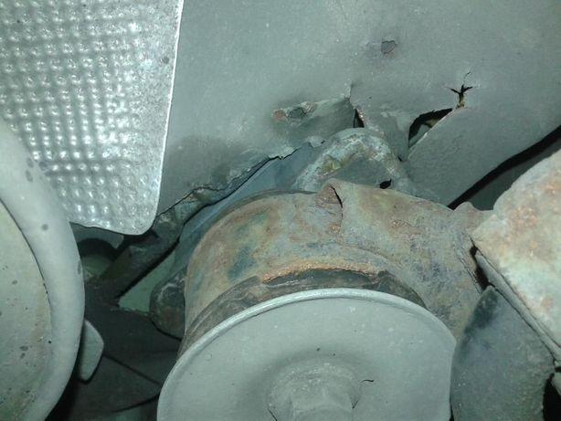 Naprawa Wyrwanego mocowania Sanek Wzmocnienie Podłogi wózka BMW E46 36