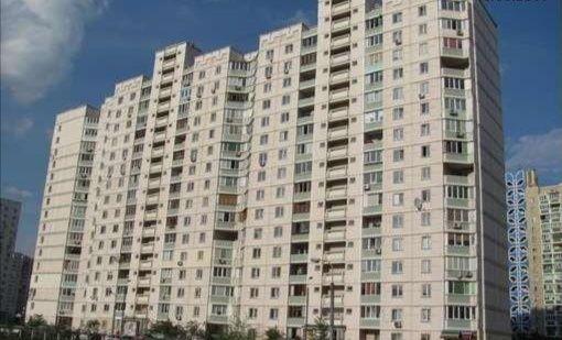Сдам квартиру (2-х комнатную) в Киеве (м. Позняки) на длительный срок