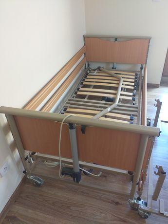 Łóżko rehabilitacyjne elektryczne na pilota stan idealny