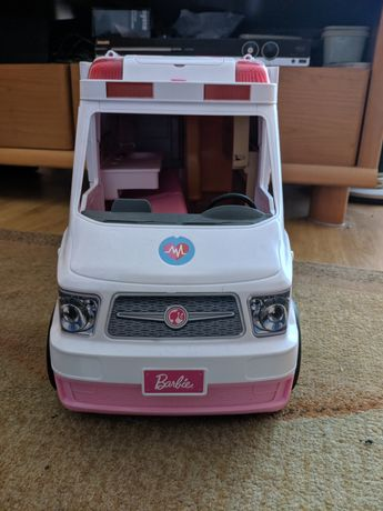 karetka ambulans Barbie