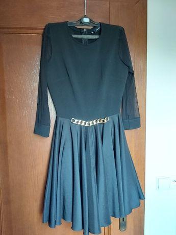 Sukienka czarna z halką i złotym paskiem rozm 38