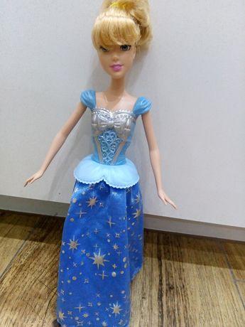 Kopciuszek, Mattel, lalka z obracając się spódnicą, Barbie