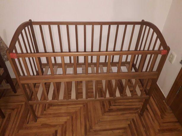 Дитяче ліжечко-колиска