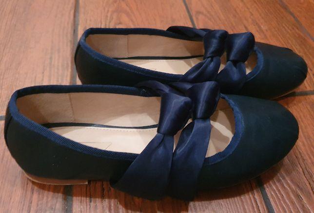 Baleriny buty rozm. 35 eleganckie granatowe na apel