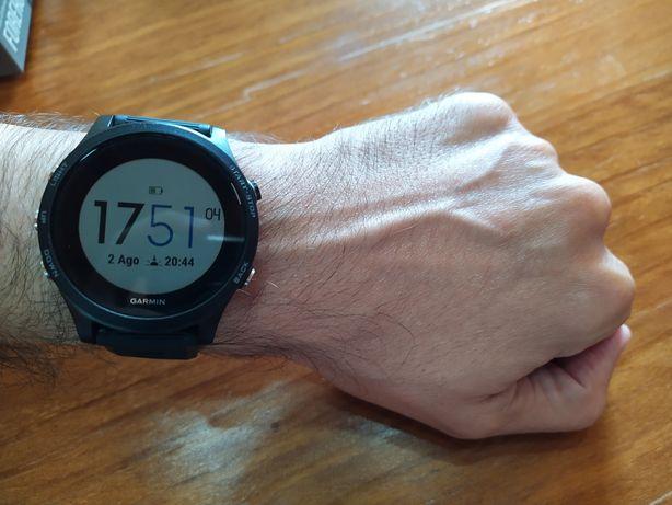 Relógio Garmin Forerunner 935 versão standard