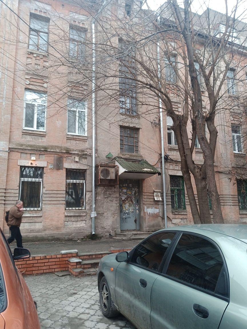 2 ка возле памятника Пушкина