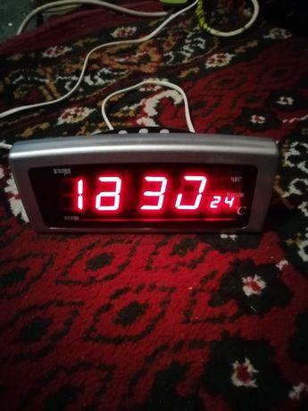 Часы настольные бу