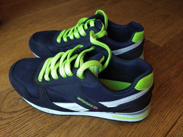 Adidasy buty sportowe Badoxx rozmiar 36, dł. wkładki 23,5 cm chłopięce