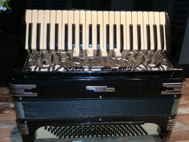 Akordeon EXCELSIOR 120 basy