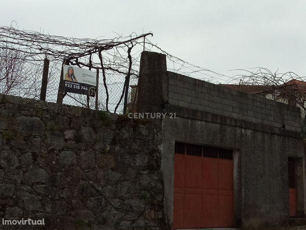 Terreno  de construção com 421m2 no centro de Prado - Vila Verde