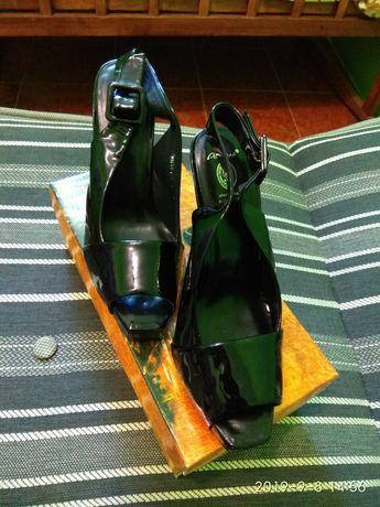 Туфли чёрные ( лак )