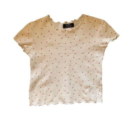 Tshirt com padrão cerejas