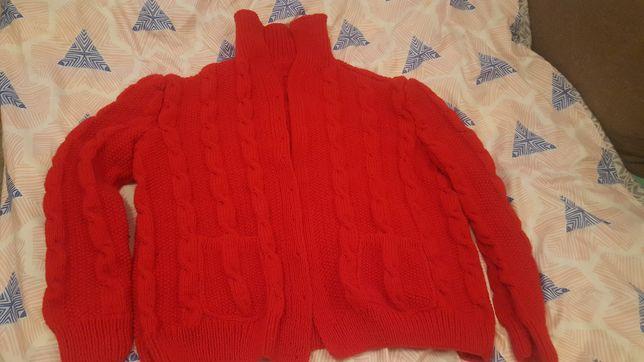 Sweter z wełny ręcznie robiony